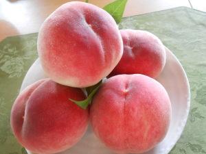 ともちゃんちの桃